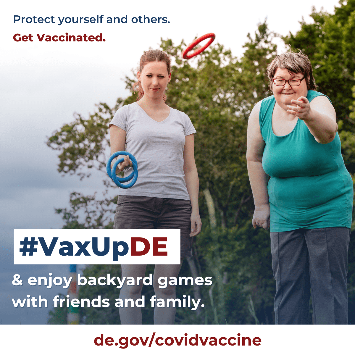 VaxUpDE Protect yourself and others. Get vaccinated.Mother and daughter play ring toss outside.