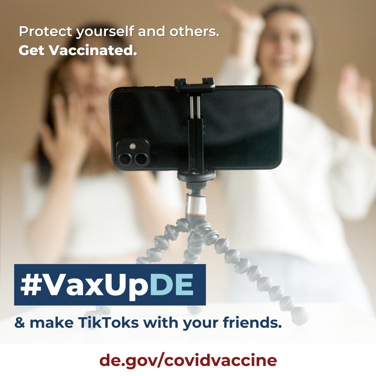 VaxUpDE. Protect yourself and others. Get Vaccinated. Teens create a video together.